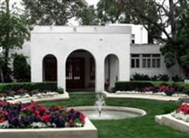 Clarke Estate Is Open For Tours Tuesdays Fridays And The First Sunday Of Month 11 M 2 P Wedding Season